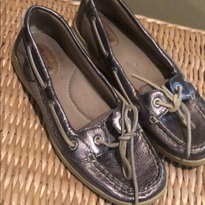 Silver shimmer Sperry flats!
